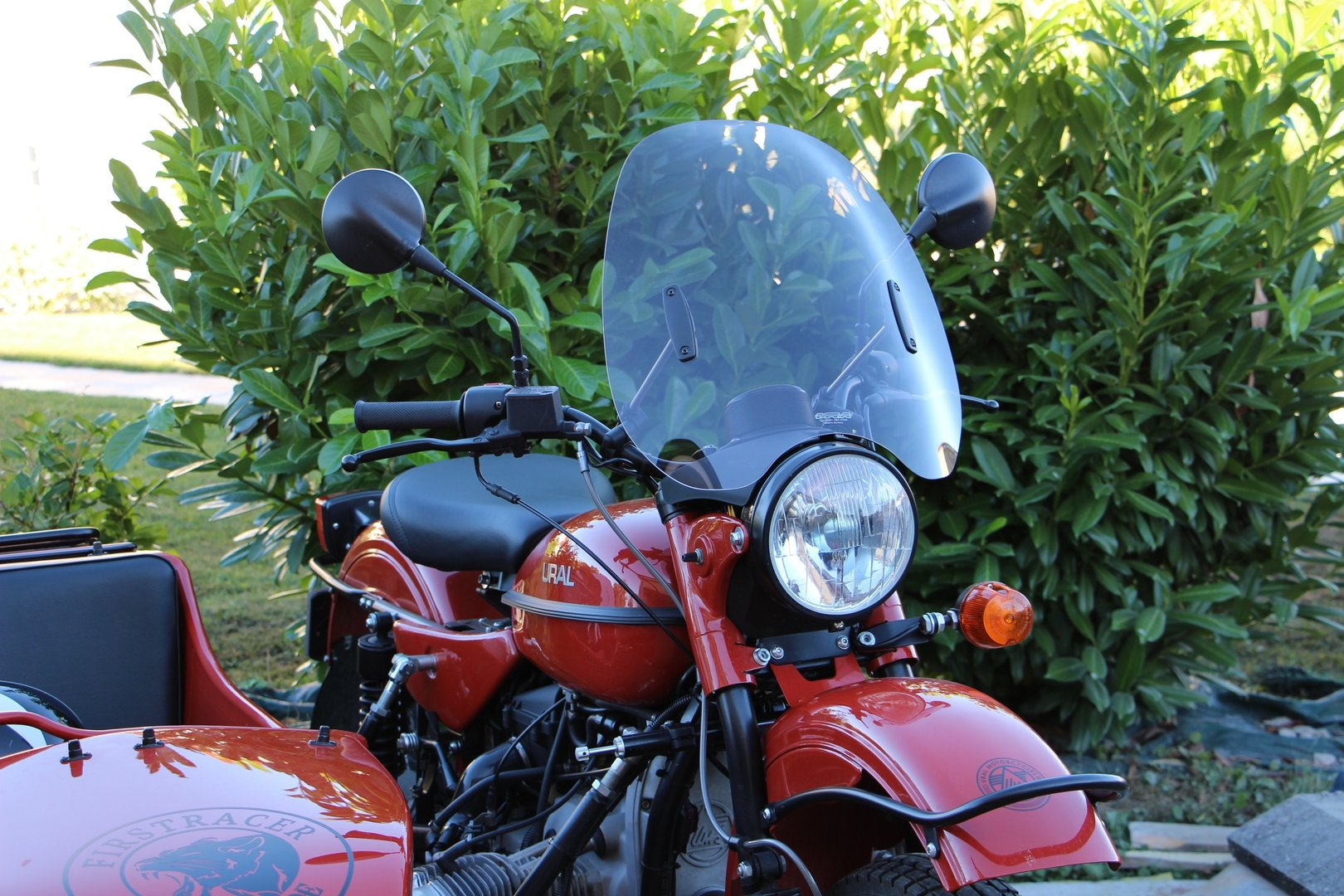 WINDSCREEN DRIVER URAL MRA WITH COMPLETE INSTALLATION KIT